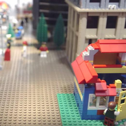 Çocukların ve yetişkinlerin gözünden geleceğin lego Singapur'u