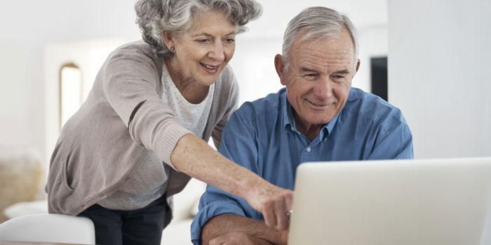 55 yaş üstü kişilerin yalnızca yüzde 49'u internet alışverişinde güvenliği önemsiyor...
