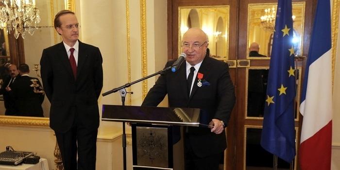 Sani Şener'e Legion d'honneur Nişanı...