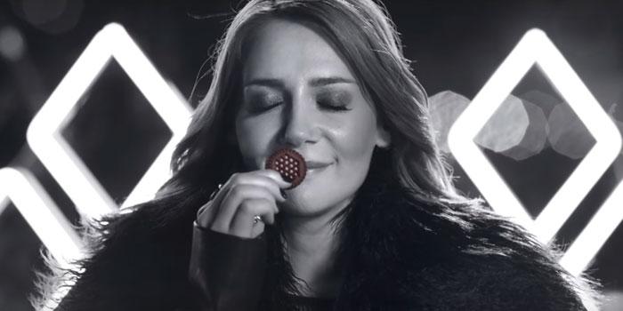 Aylin Aslım'lı ETİ Negro reklam filmi...