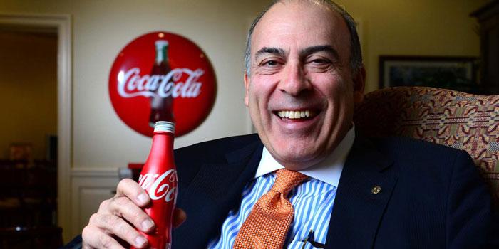 Trump'ın göçmen kararnamesine bir tepki de Coca-Cola CEO'su Muhtar Kent'ten geldi!