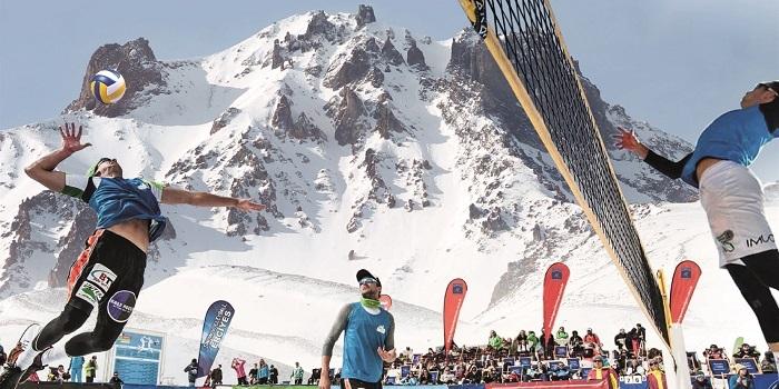 Erciyes'te kar voleybolu heyecanı başlıyor