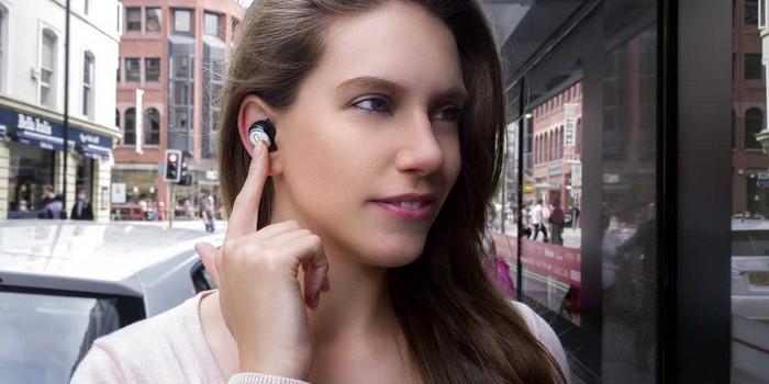 Farklı dillerde gerçek zamanlı çeviri yapan kulaklık: Mymanu Clik