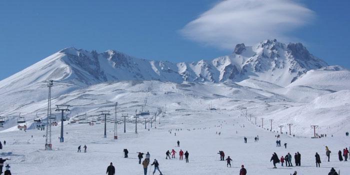 Erciyes Kayak Merkezi'ne 'Mükemmellik Ödülü' verildi