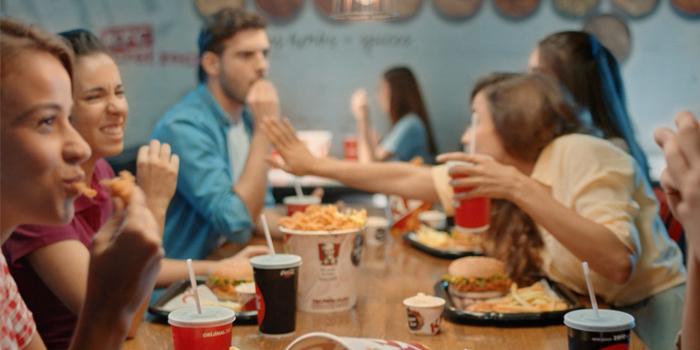 KFC yeni reklam filmiyle dostlara sesleniyor