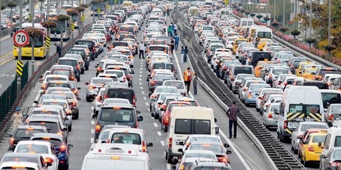 Türkiye'de her 7 kişiye 1 otomobil düşüyor