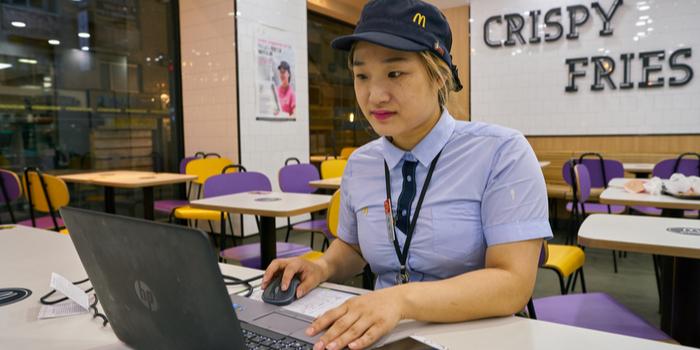 McDonald's acemi sosyal medya içerikçisinin kurbanı oldu