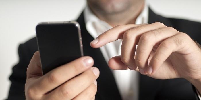 Akıllı telefon kullanımında yaşlılar, gençleri yakaladı