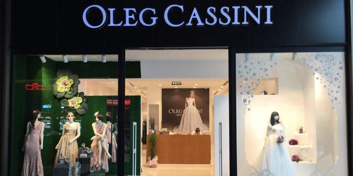 Oleg Cassini, Kingdom İstanbul ile el sıkıştı