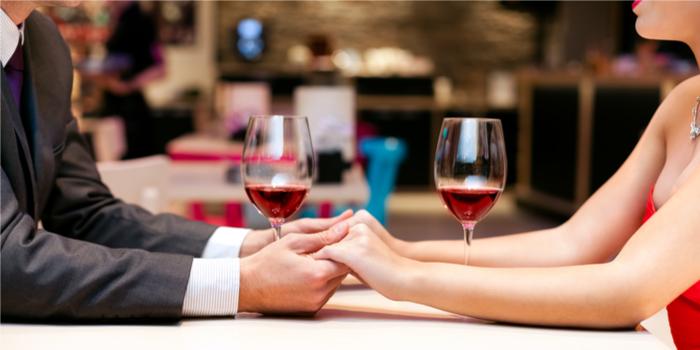 Araştırmalara göre Sevgililer Günü'nü saçma buluyoruz