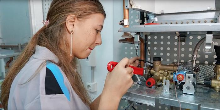 """Daikin'den tabuları yıkan kadın teknisyenlerine özel şarkı ve film: """"Yaparım"""""""