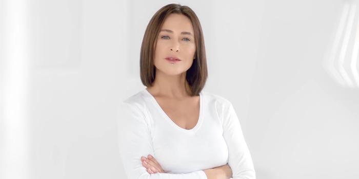 Kadınlar Günü için çekilen reklam filminde Hülya Avşar tercihi izleyicilerin tepkisini çekiyor