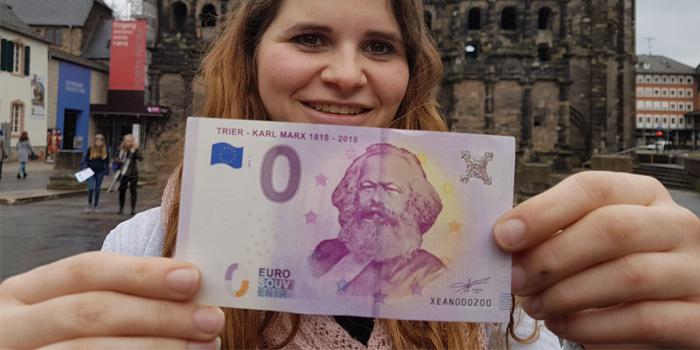 Karl Marx'ın 200'üncü doğum günü anısına 0 euroluk banknotlar üretildi