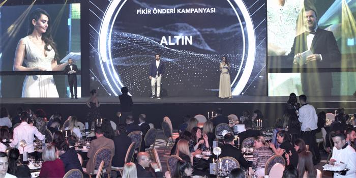 Sektörün önde gelen isimleri Social Media Awards Turkey'de bir araya geldi