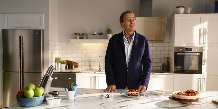 Ayhan Sicimoğlu Samsung için mutfakta