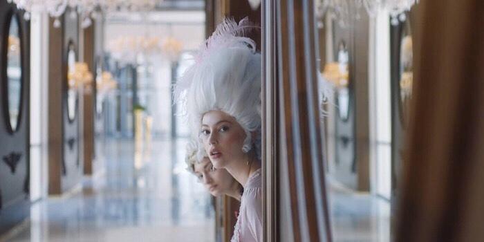 Kaya Palazzo Girne'nin reklam yıldızı Marie Antoinette...