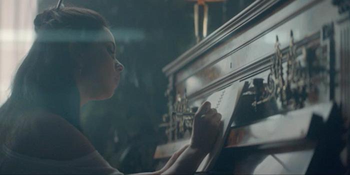 Clear'ın yeni kampanyasında Rumen şarkıcı Inna yer aldı