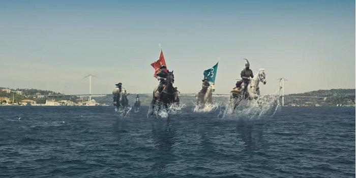 """İBB'nin """"İstanbul'un Fethi"""" temalı reklam filmi Fatih Sultan Mehmet ile Cumhurbaşkanı Erdoğan'ı bir araya getirdi"""