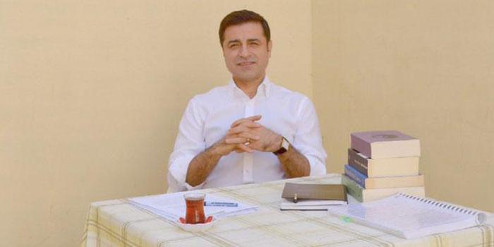 Demirtaş'tan WhatsApp kampanyası: Bu mesajı en az 100 kişiye gönder