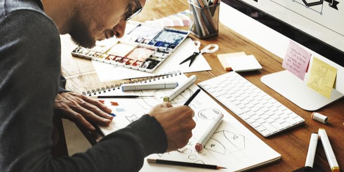 Her 100 tasarımcının 84'ü freelance iş de yapıyor