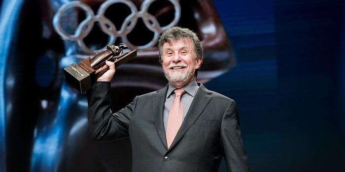 """Uluslararası Olimpiyat Komitesi'nin""""Kadınlar ve Spor DünyaÖdülü"""" Eczacıbaşı Spor Kulübü'nün"""