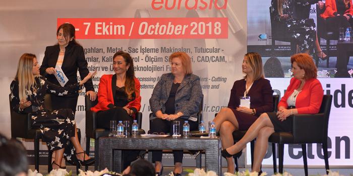 """Türk iş ve basın dünyasının başarılı kadınları """"kadınlar"""" için buluştu"""