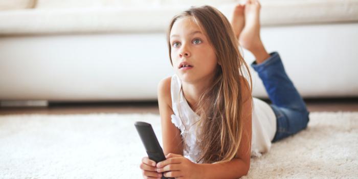 TV başındaki çocuk tehlike altında