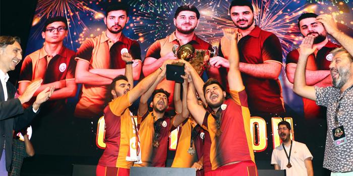 Zula International Cup'ta kupayı Galatasaray Espor kaldırdı