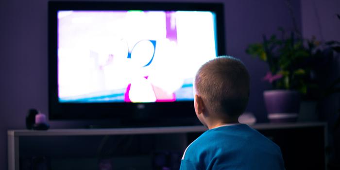 """Çocuk programlarında """"atıştırmalık"""" reklamları yasaklandı"""
