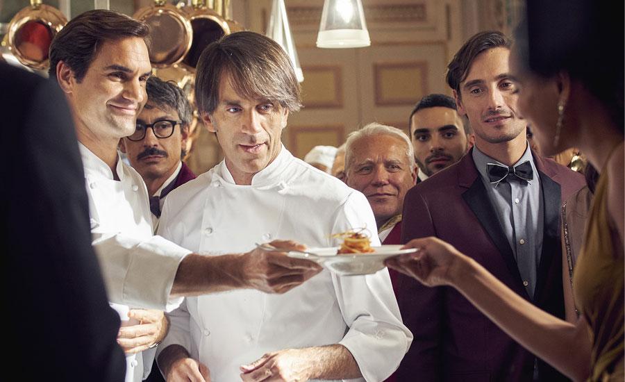 Roger Federer partiyi mutfağa taşıyor