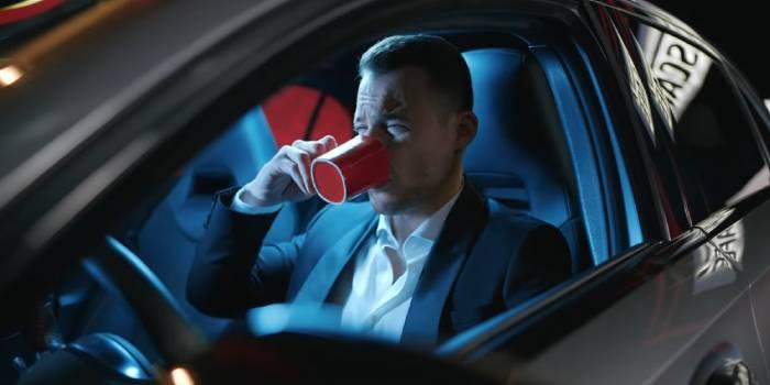 """Kerem Bursin'li """" İç bi Nescafe """" reklamı"""