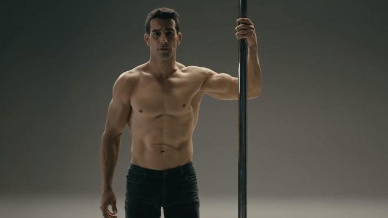 """""""Kincilerin Sezonu"""" kampanyası devam ediyor: Erkek direk dansçısına hakaret..."""
