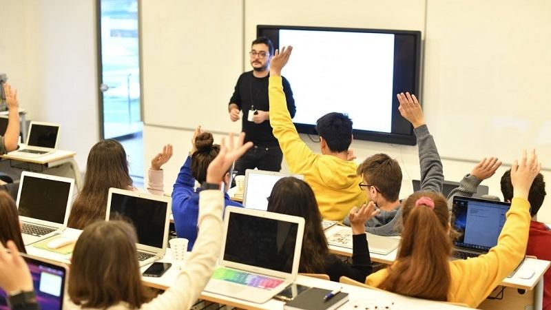 Öğrenciler Apple dünyasına TurkishKit ile adım atacak