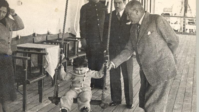 23 Nisan Ulusal Egemenlik ve Çocuk Bayramı'mız kutlu...