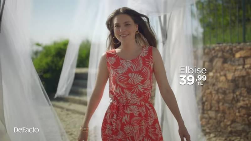 Aslı Enver'le elbise mevsimi