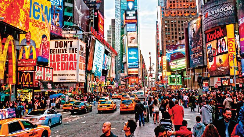 Açıkhava reklamlarında renkler tüketiciyi nasıl etkiliyor?