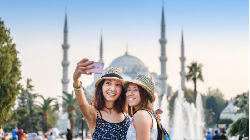 İstanbul 5 buçuk milyon turistle rekor kırdı