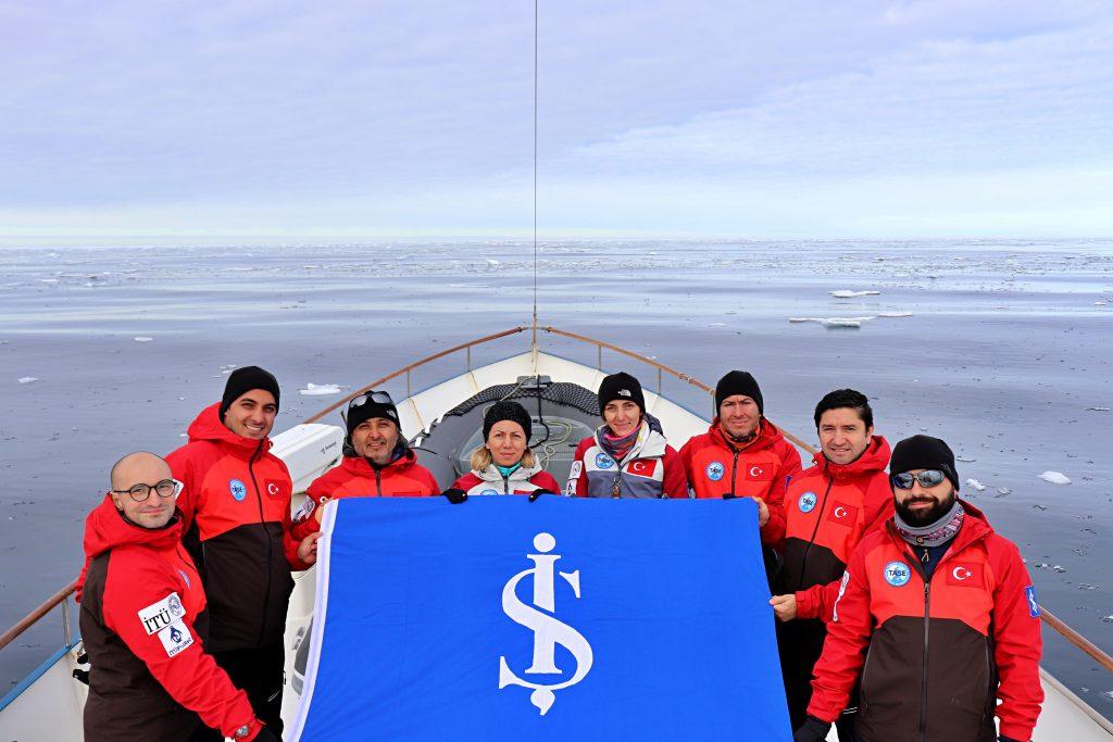 Arktik'e ilk Türk bilimsel sefer İş Bankası sponsorluğunda gerçekleştirildi