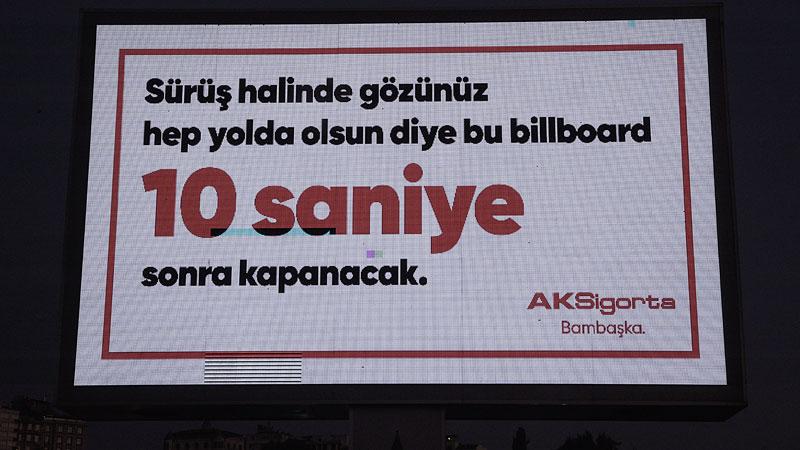 Aksigorta reklam panosunu kararttı: Gözünüz yolda olsun