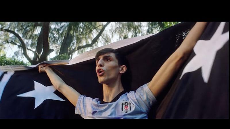 Digiturk futbol tutkunlarına Müslüm Gürses'in şarkısıyla seslendi