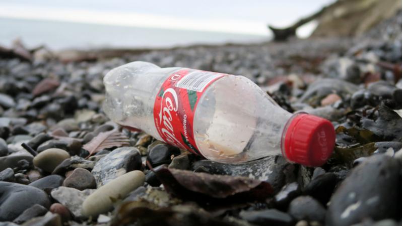 Coca-Cola en büyük plastik kirleticiler arasında ilk sırada