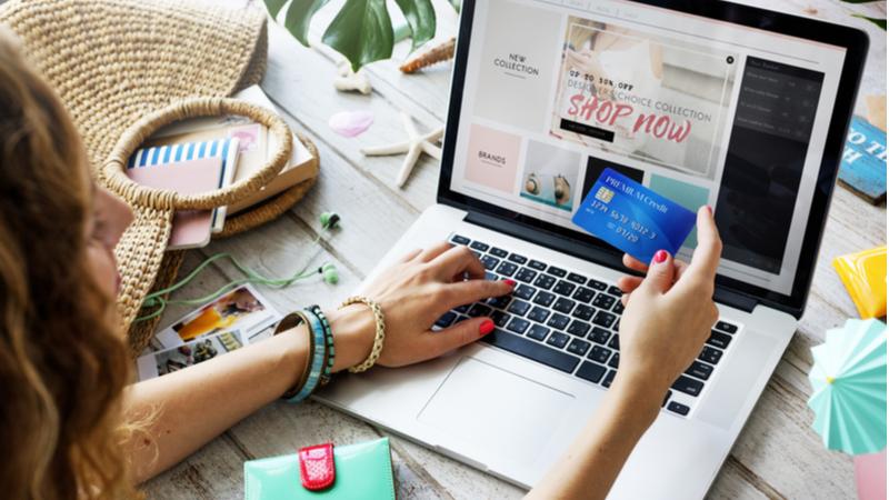 Türkler online alışverişin pratikliğinden vazgeçmiyor
