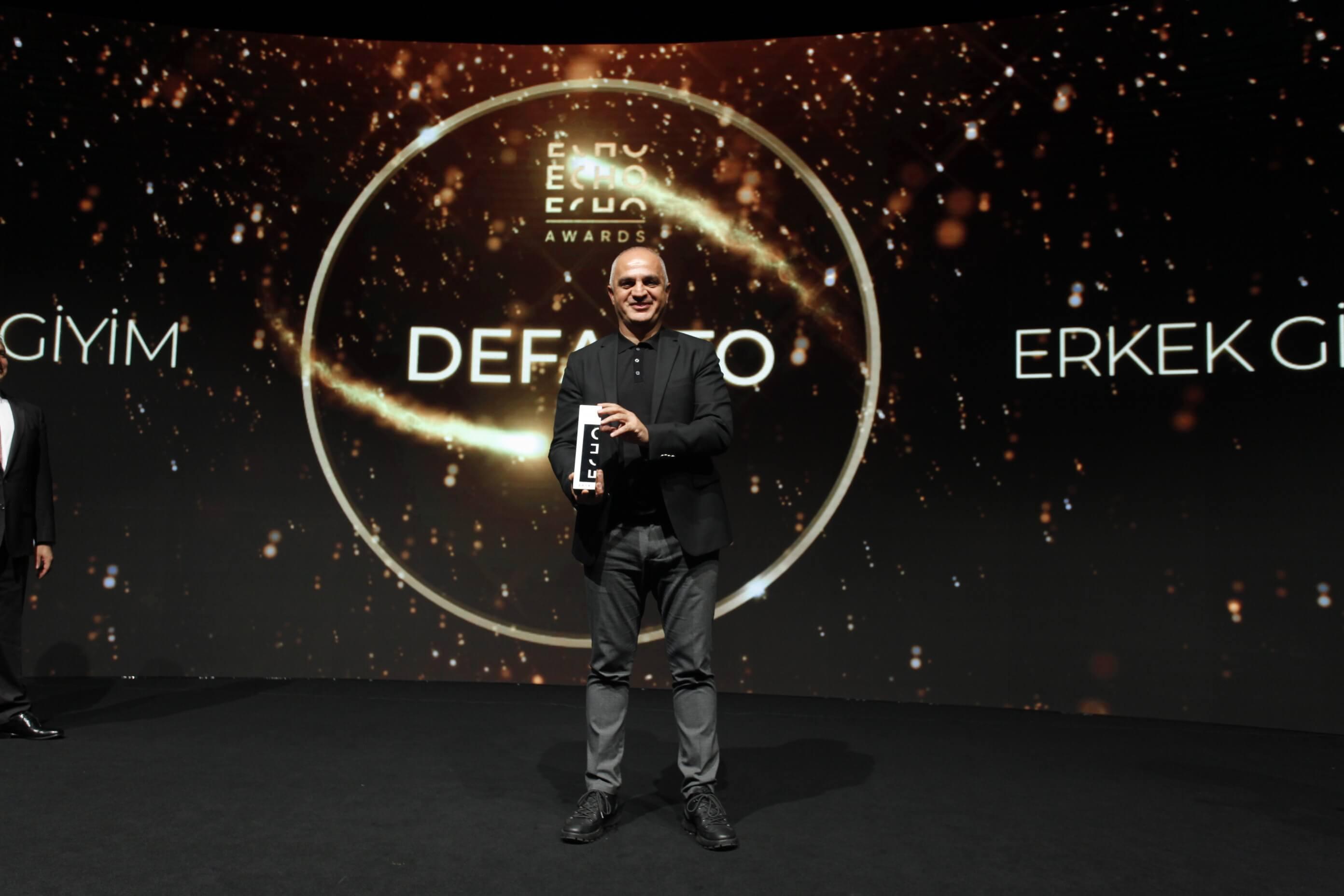 Türkiye'nin en büyük e-ticaret zirvesi ECHO Summit'te sektörün en iyileri ödüllerine kavuştu