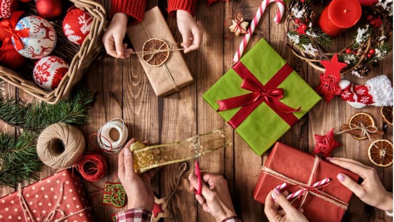 Çiftler yılbaşında el yapımı özel hediyeler bekliyor
