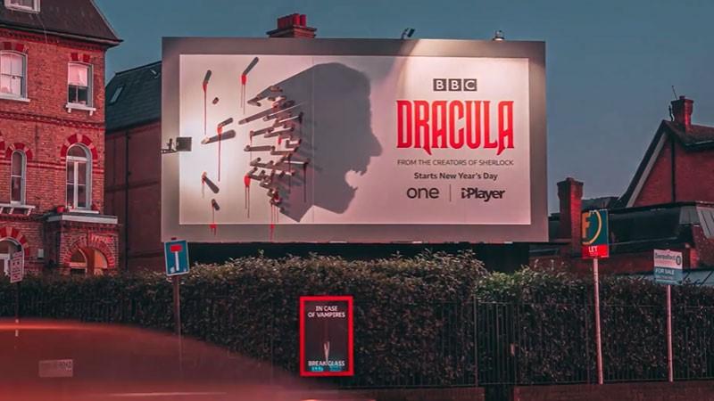 Dracula için muhteşem ilan: Gündüz kazık akşam Dracula silueti!
