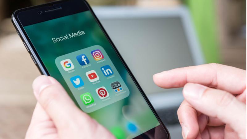 Sosyal medyayla en çok meşgul olanlar iletişim...