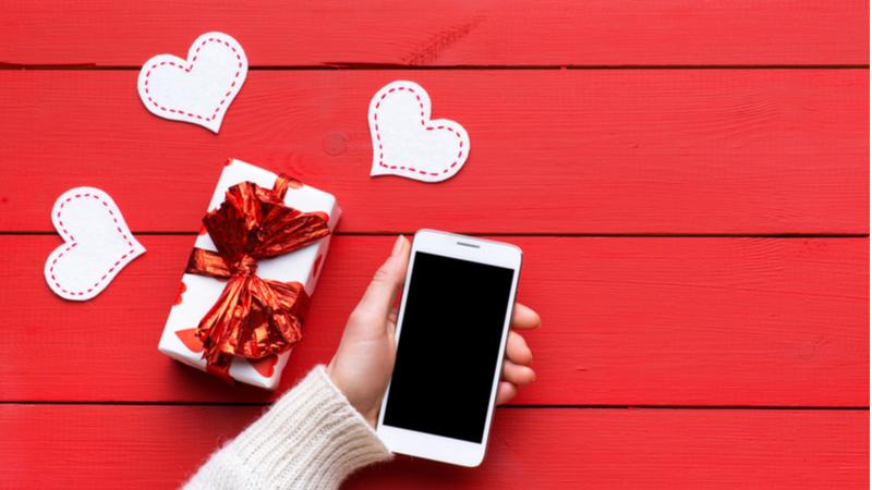 Sevgililer Günü'nün kahramanı akıllı telefonlar oldu