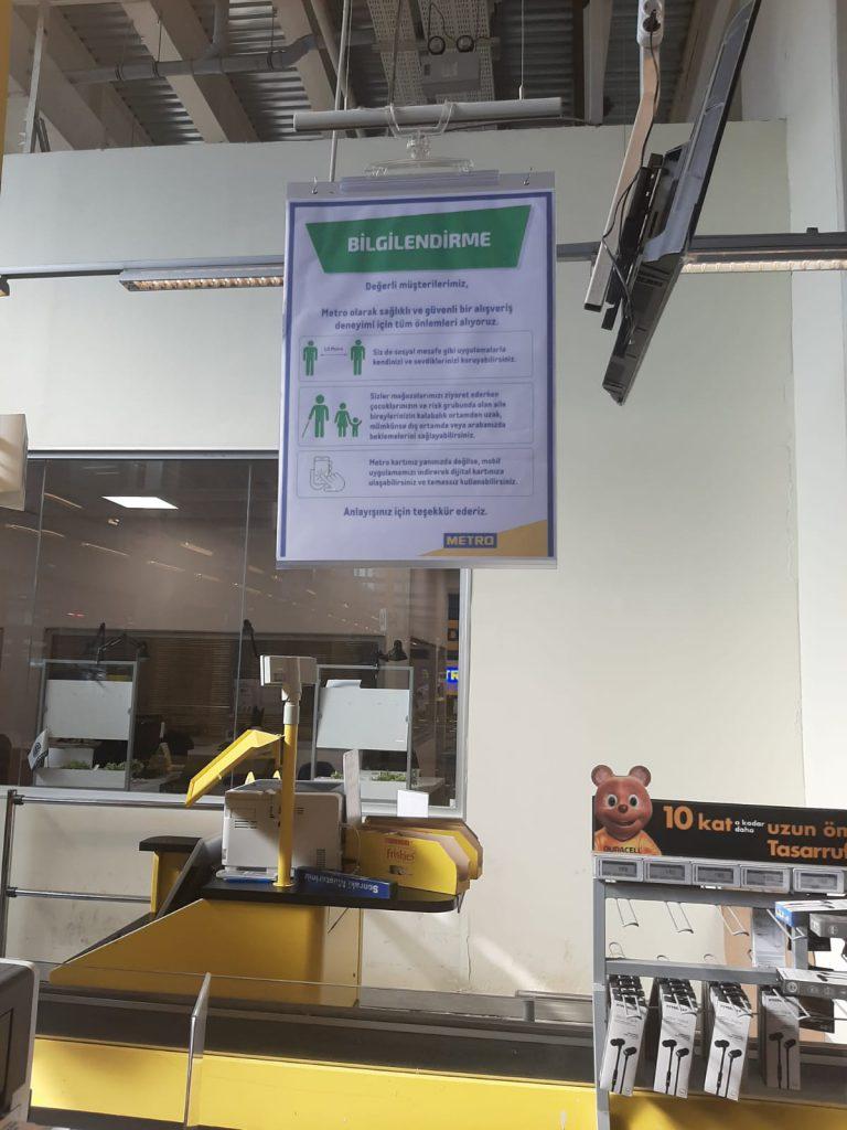 Metro Türkiye'nin tüm mağazalarında sosyal mesafe önlemleri başlatıldı