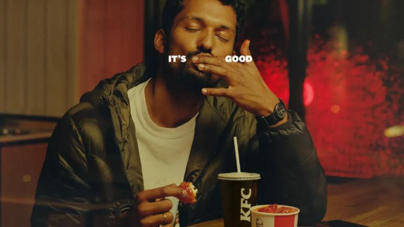 """KFC, """"Finger Lickin' Good"""" sloganıyla yayınladığı kampanyayı şikayetler üzerine durdurdu"""