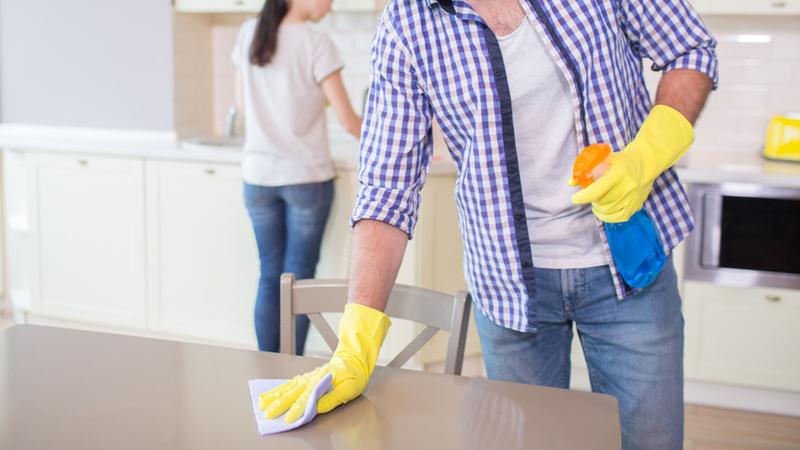 Salgın döneminde 3 evli bireyden 1'i evdeki işleri eşiyle paylaşıyor